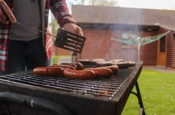 Pit Boss Vs Traeger: Which Pellet Grill Should you Buy?