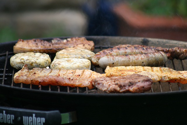 Weber Q1200 vs Q2200 – We Know the Difference
